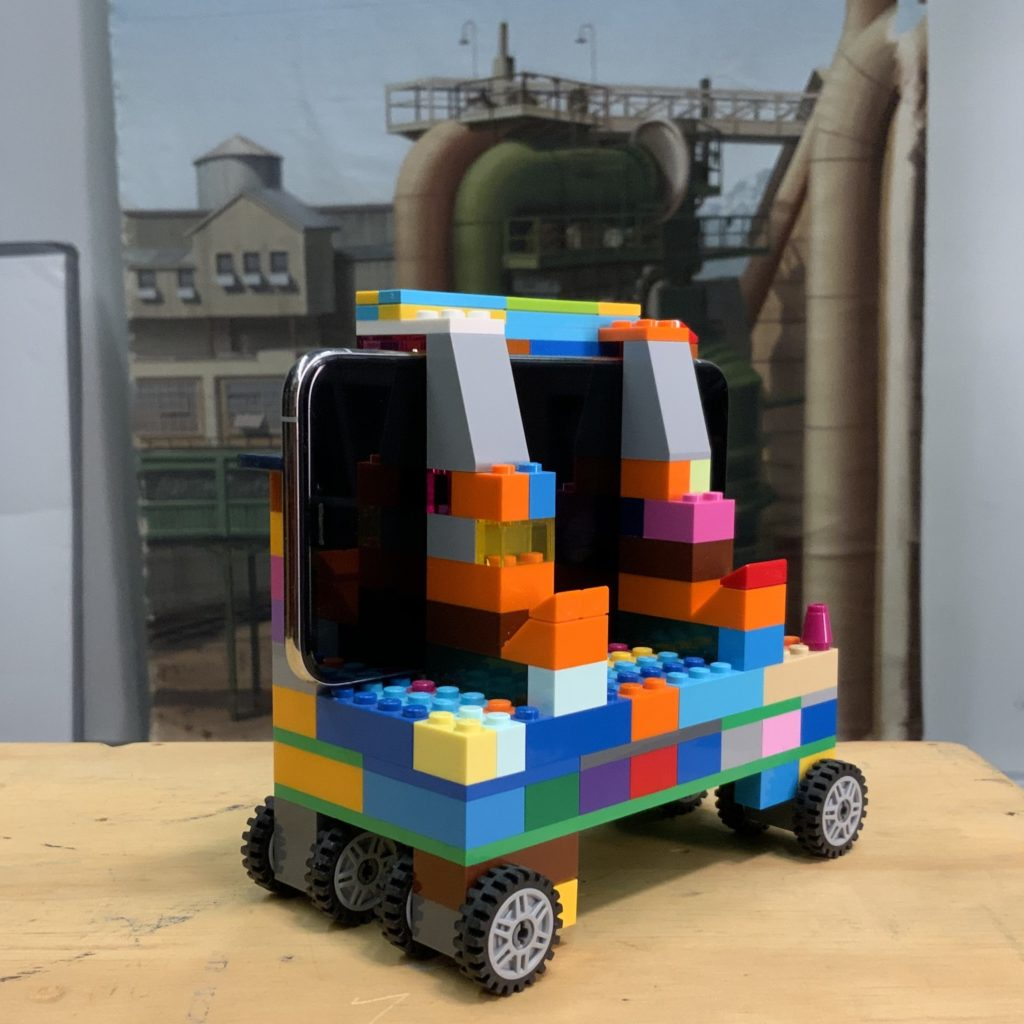 Image of mobile phone camera dolly built out of Lego